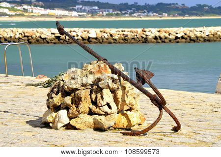 An anchor at the Bensafrim river in Lagos harbour