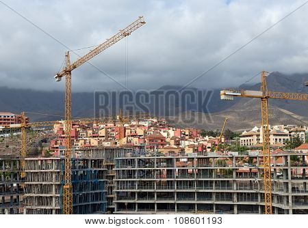 Construction With Construction Cranes