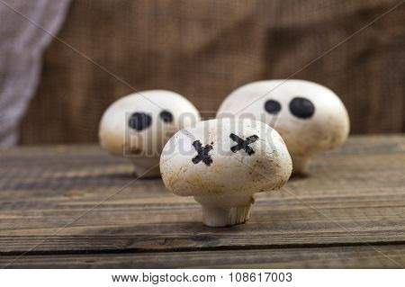 Halloween Champignons With Ghost Face
