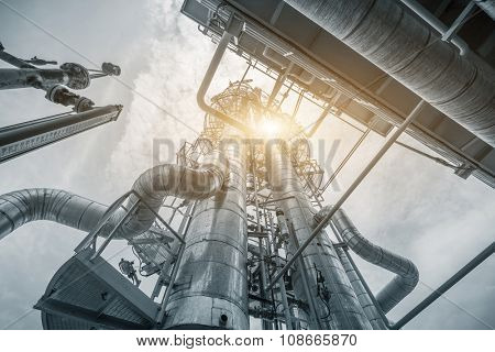 structure of oil refinery plant
