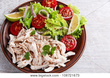 chicken white meat boiled with lettuce tomato