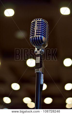 Microphone Retro
