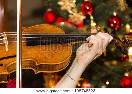violin With Christmas Tree