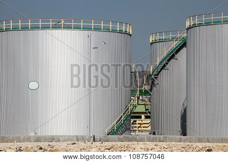 Large Tanks For Petrol And Oil