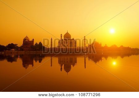 Panoramic view of Taj Mahal at sunset with reflection, Agra, Uttar Pradesh, India.