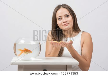 She Asks To Fulfill The Desire To Have A Goldfish In An Aquarium