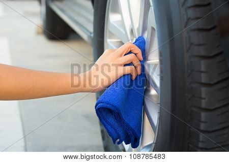 Wiping Alloy Wheels