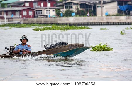 Thai fisherman on the boat