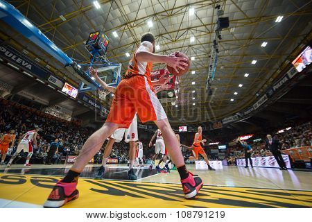 VALENCIA, SPAIN - NOVEMBER 18th: Shurna with ball during Eurocup between Valencia Basket Club and Sluc Nancy at Fonteta Stadium on November 18, 2015 in Valencia, Spain