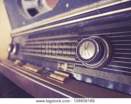 Vintage Retro Radio Tune Channel Music Entertainment