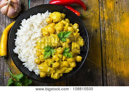 Spicy Chicken And Chickpeas Curry And Rice