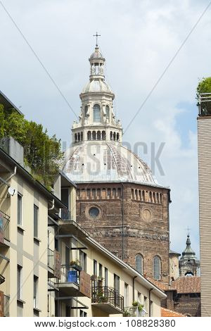 Pavia (italy): Houses And Cathedral