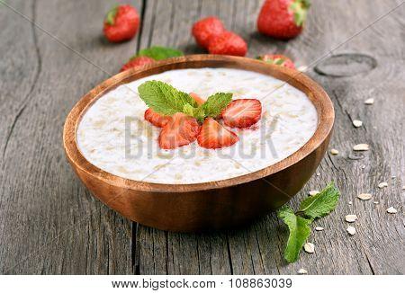 Oats Porridge With Fresh Strawberry
