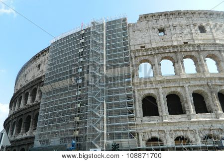 Colosseum Exterior In Reconditioning