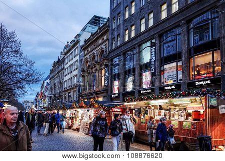 PRAGUE, CZECH REPUBLIC - DEC 23 : Christmas Events. Tourists on foot Street in Prague, Czech Republic. DEC 23, 2014 in PRAGUE