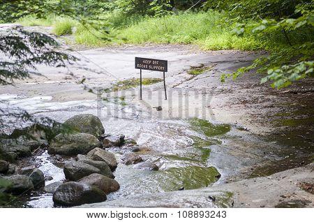 Keep Off Rocks Slippery