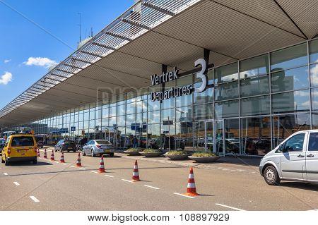 Ingang Vertrekhal 3 Schiphol
