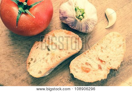 Tapas With Tomato And Garlic