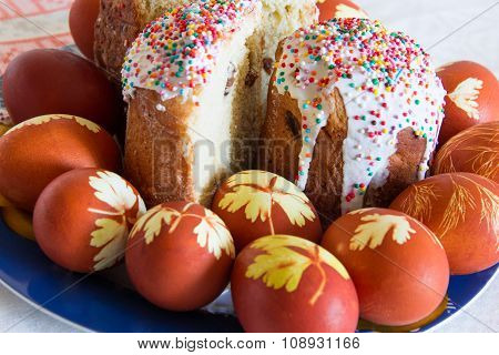 Easter Eggs With Sugar Kulich