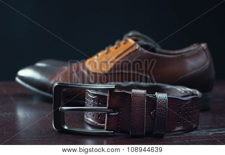 Stylish Leather Men's Dress Shoes And Belt