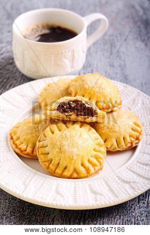 Bite Size Round Pastries