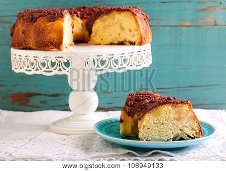 Sponge Cake With Fruit Slices