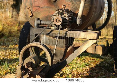 Old Rusty Mechanism