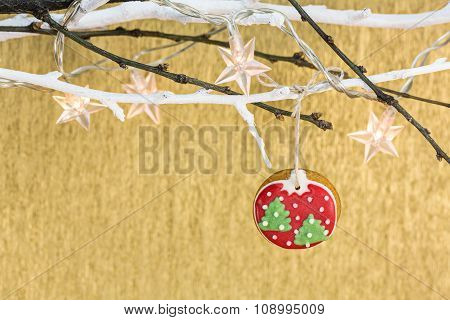 Gingerbread Ball With Star Holiday Lights