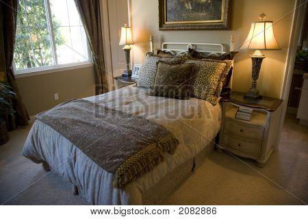 Bedroom Adventurer 1390