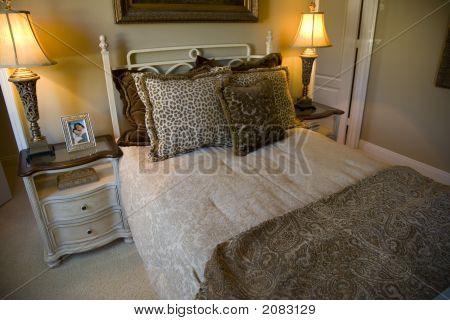 Bedroom Adventurer  Closeup 1390