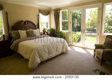 Bedroom And Garden 1313