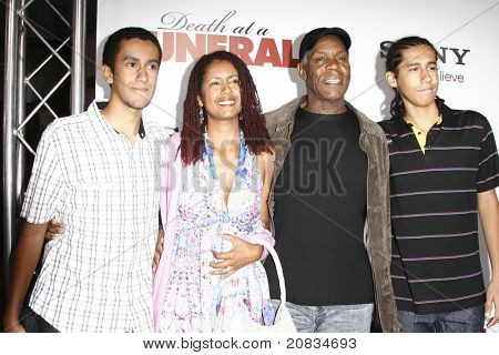 LOS ANGELES - APR 12: Danny Glover and family at the World Premiere of 'Death At A Funeral' held at the Arclight Theater in Los Angeles, California on April 12, 2010.