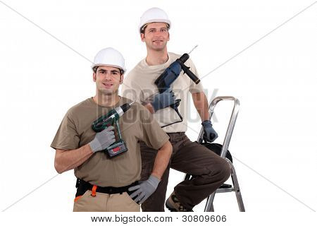 Two artisans with drill