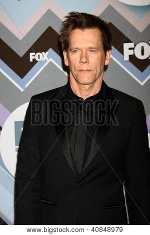 PASADENA, CA - 8 de JAN: Kevin Bacon atende a FOX TV 2013 TCA inverno Press Tour no Langham Huntingt