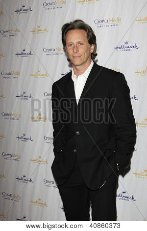 SAN MARINO - JAN 4: Steven Weber at the Hallmark Channel '2013 Winter TCA' Press Gala at The Huntington Library on January 4, 2013 in San Marino, California