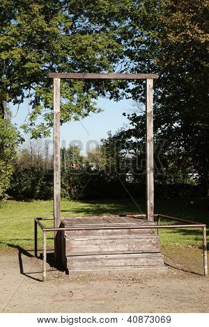 Gallows, Auschwitz
