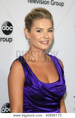 PASADENA - Today: Elisha Cuthbert an die Disney ABC Television Group 2013 TCA Winter Presserundgang am