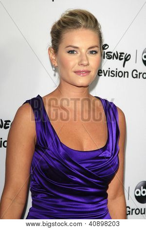 PASADENA - Today: Elisha Cuthbert an die Disney ABC Television Group 2013 TCA Winter Presserundgang am