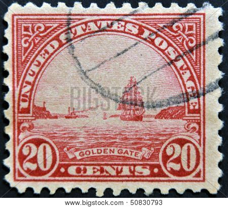 USA - CIRCA 1922: A stamp printed in USA shows Golden Gate in San Fracisco circa 1922