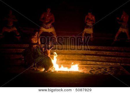 Danza del fuego samoano