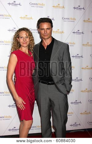 LOS ANGELES - JAN 11: Becky Southwell, Dylan Neal at the Hallmark Winter TCA Party at The Huntington Library on January 11, 2014 in San Marino, CA