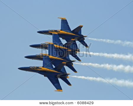 Vuelo de US Navy Blue Angels equipo