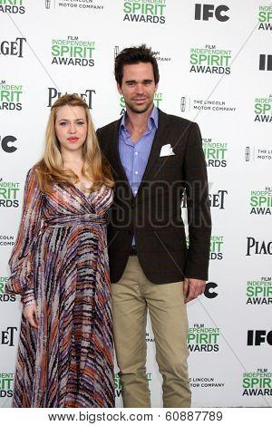 LOS ANGELES - MAR 1:  Majandra Delfino, David Walton at the Film Independent Spirit Awards at Tent on the Beach on March 1, 2014 in Santa Monica, CA
