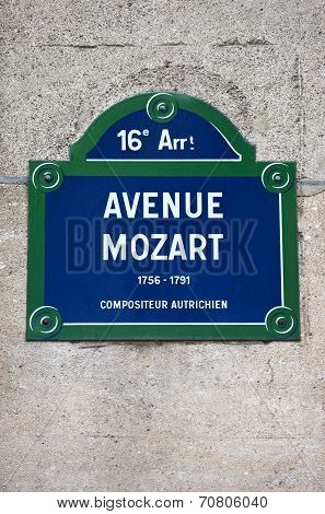 Avenue Mozart In Paris
