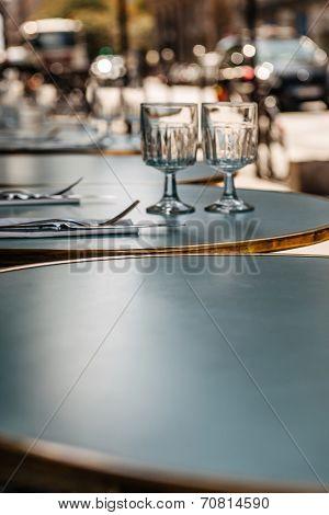 Lunch, Dinner, Breakfast Ready Cafe In Paris