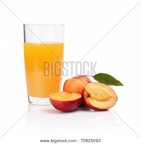 Close-up Shot Sliced Nectarines With Juice And Leaf