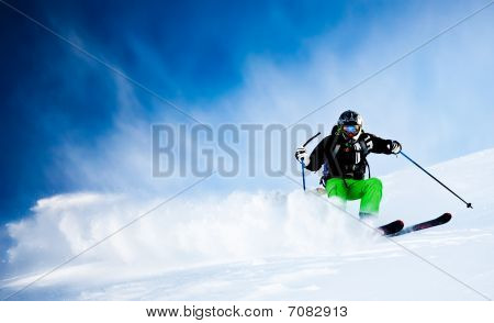 Man's Skiing