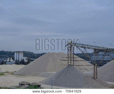 Mine sand