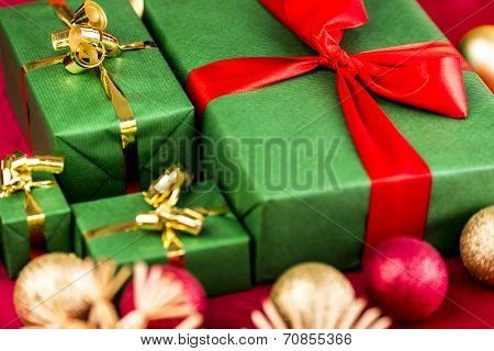 Four Xmas Presents In Plain Green