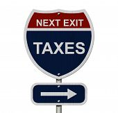 Постер, плакат: Taxes This Way